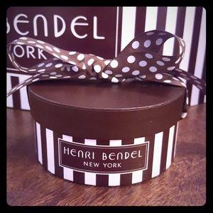 Henri Bendel mini hatbox